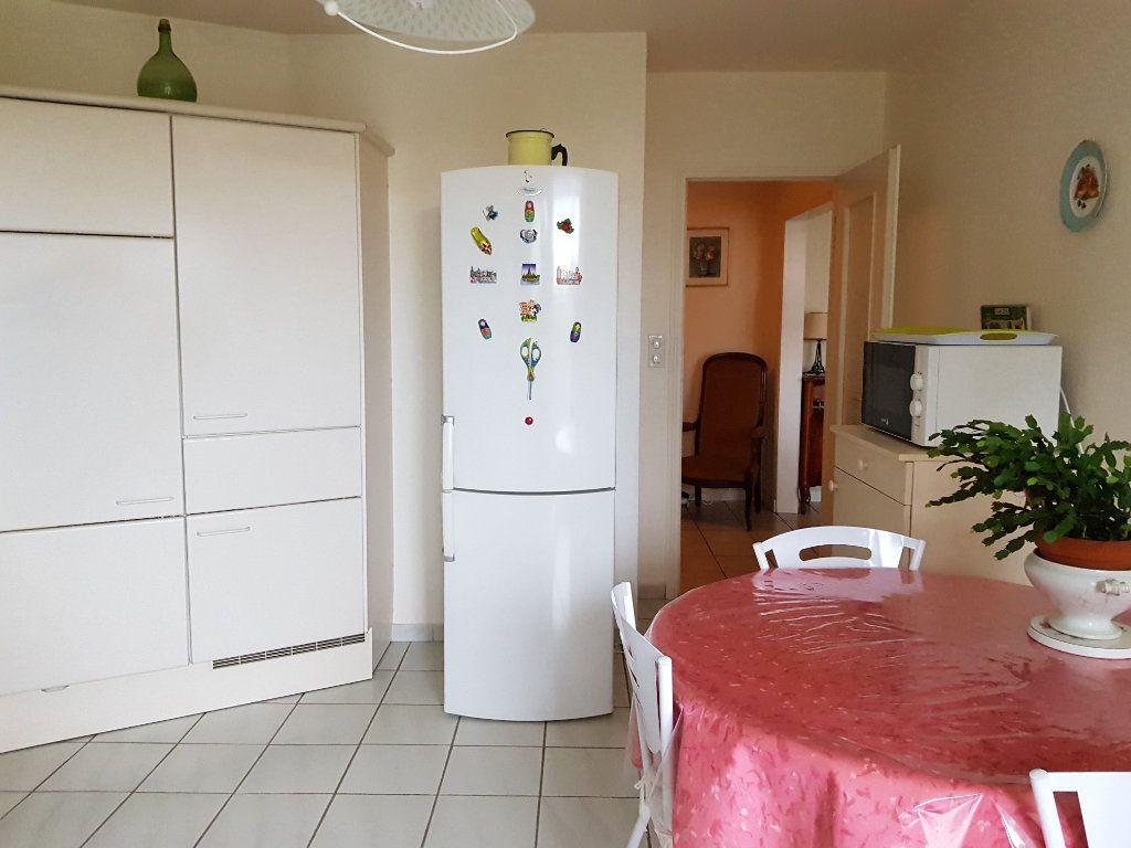 Appartement à vendre 5 98m2 à Montluçon vignette-9