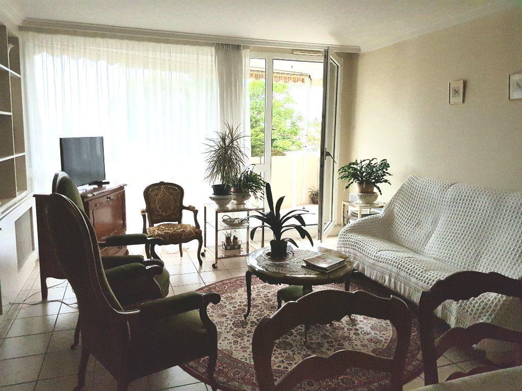 Appartement à vendre 5 98m2 à Montluçon vignette-10