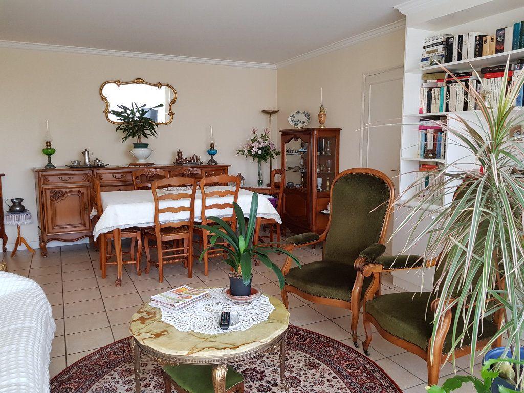 Appartement à vendre 5 98m2 à Montluçon vignette-11