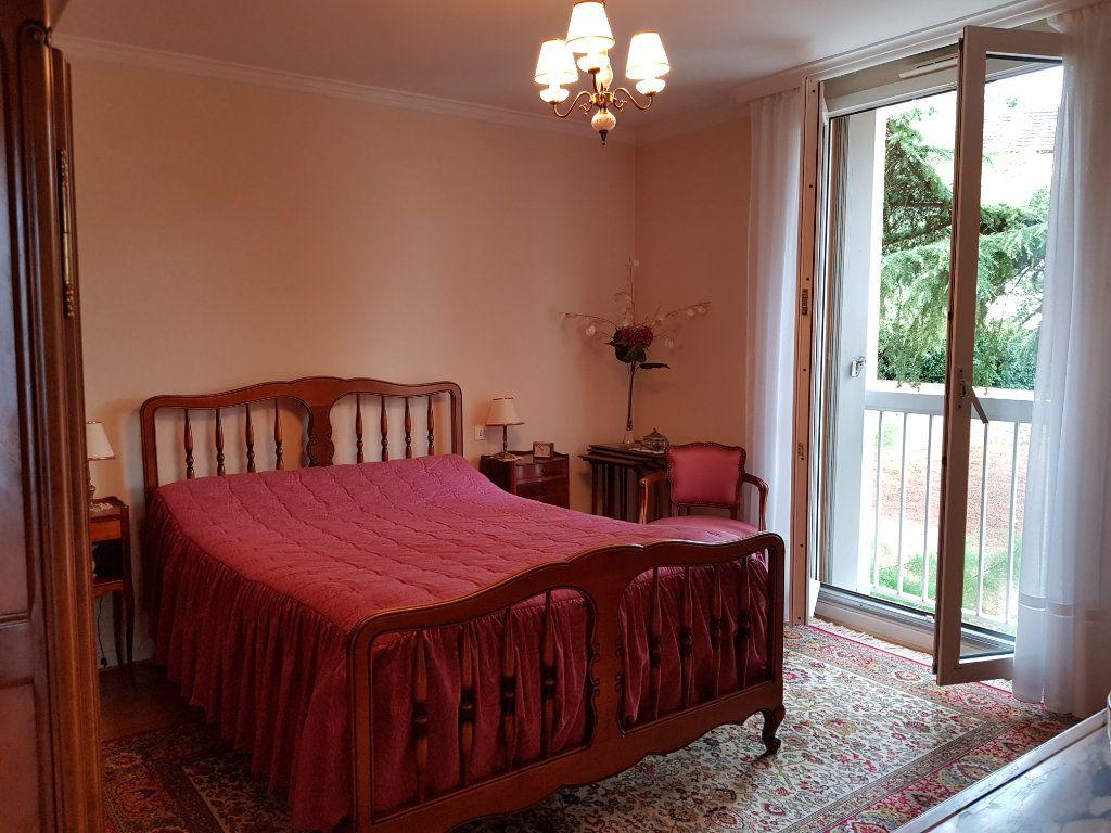 Appartement à vendre 5 98m2 à Montluçon vignette-13