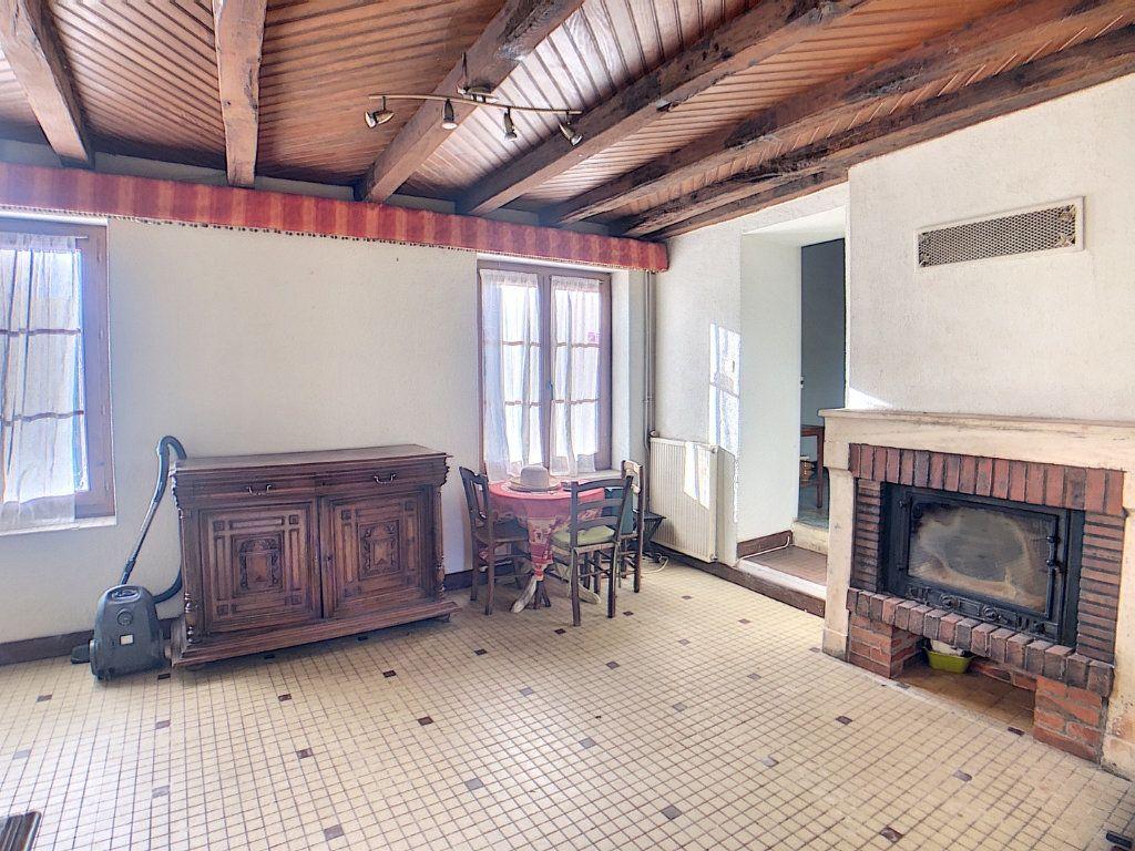 Maison à vendre 5 177m2 à Urçay vignette-6