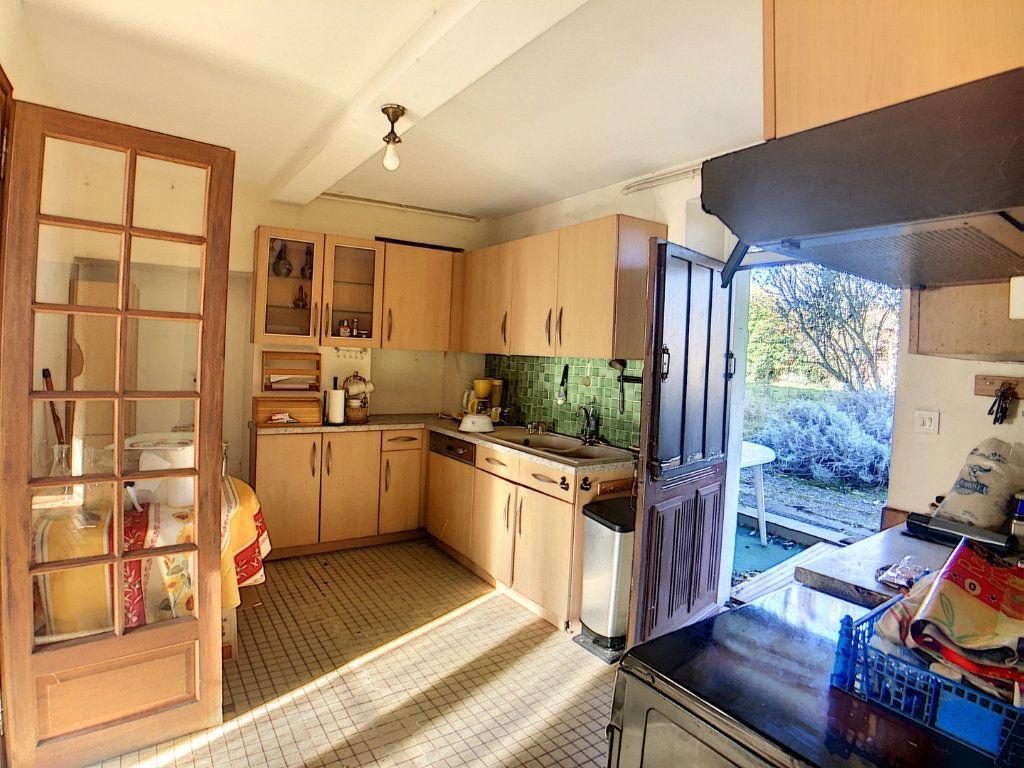 Maison à vendre 5 177m2 à Urçay vignette-9