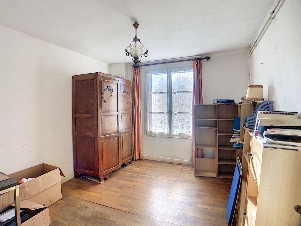 Maison à vendre 5 177m2 à Urçay vignette-10