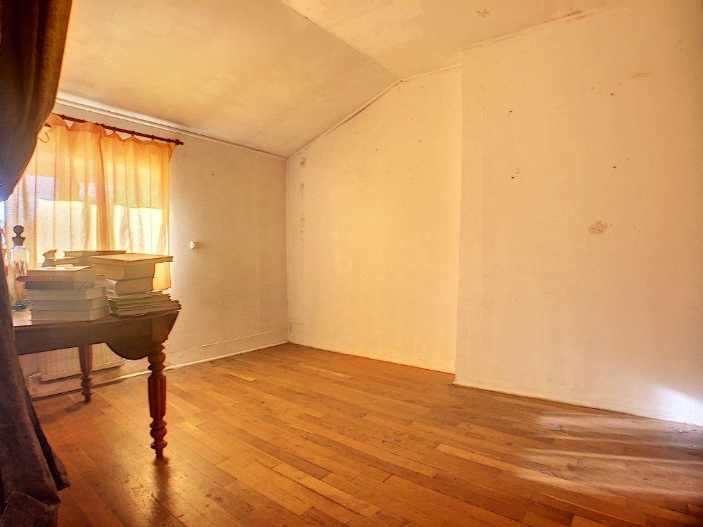 Maison à vendre 5 177m2 à Urçay vignette-12