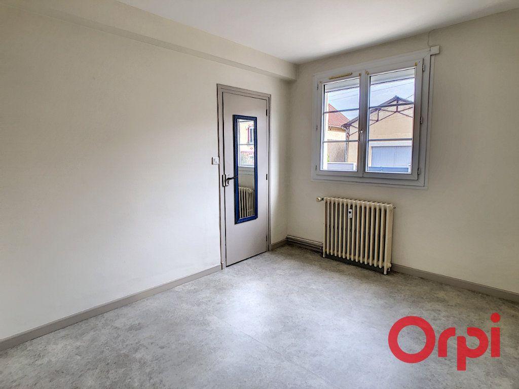 Appartement à vendre 3 57.83m2 à Montluçon vignette-3