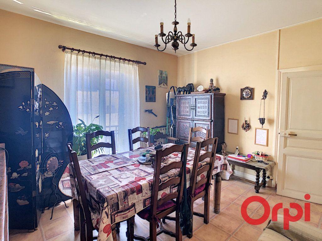 Appartement à vendre 3 56.93m2 à Montluçon vignette-4