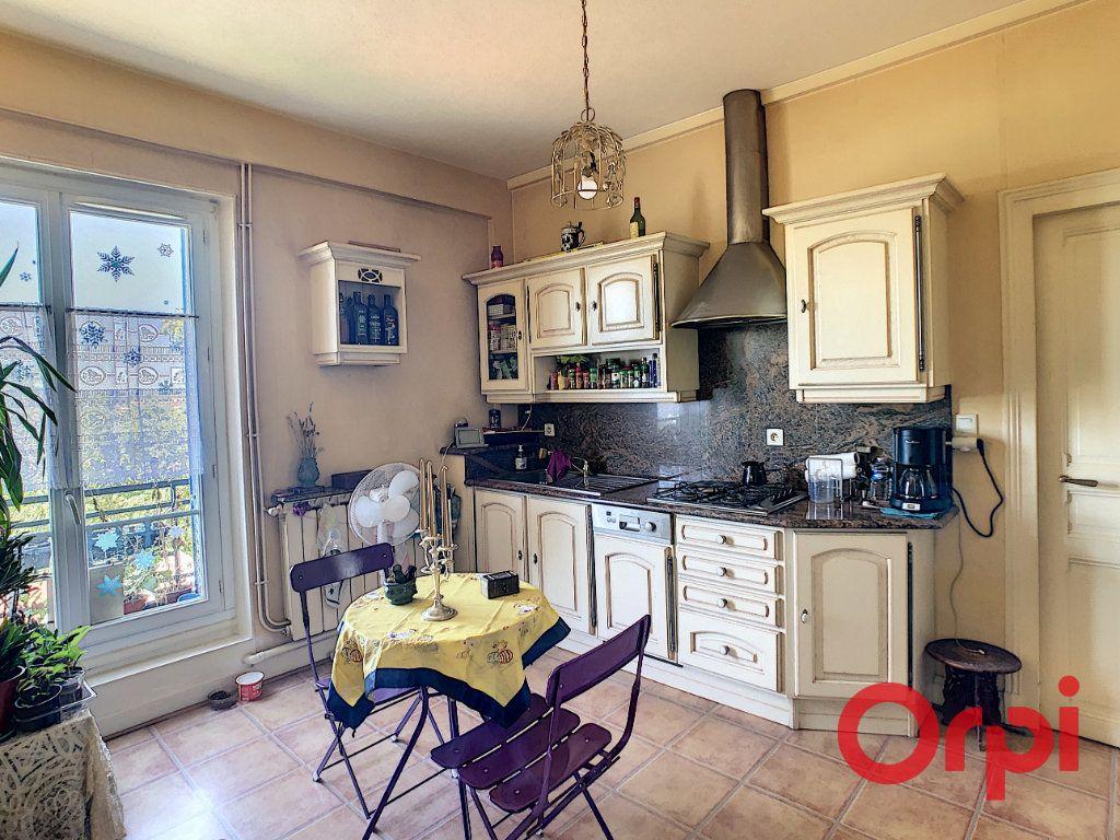 Appartement à vendre 3 56.93m2 à Montluçon vignette-6