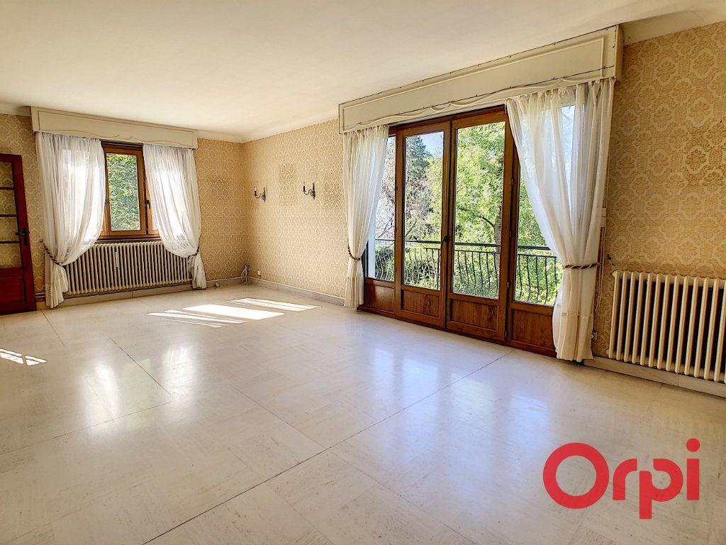 Maison à vendre 8 174m2 à Néris-les-Bains vignette-3
