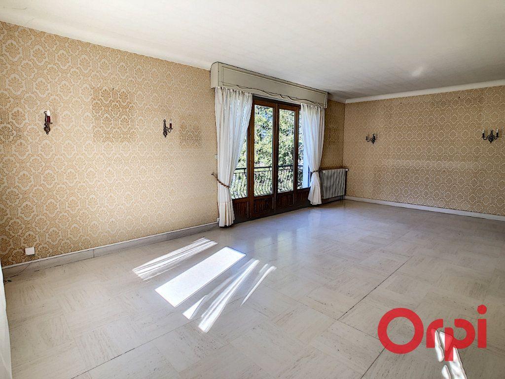 Maison à vendre 8 174m2 à Néris-les-Bains vignette-4