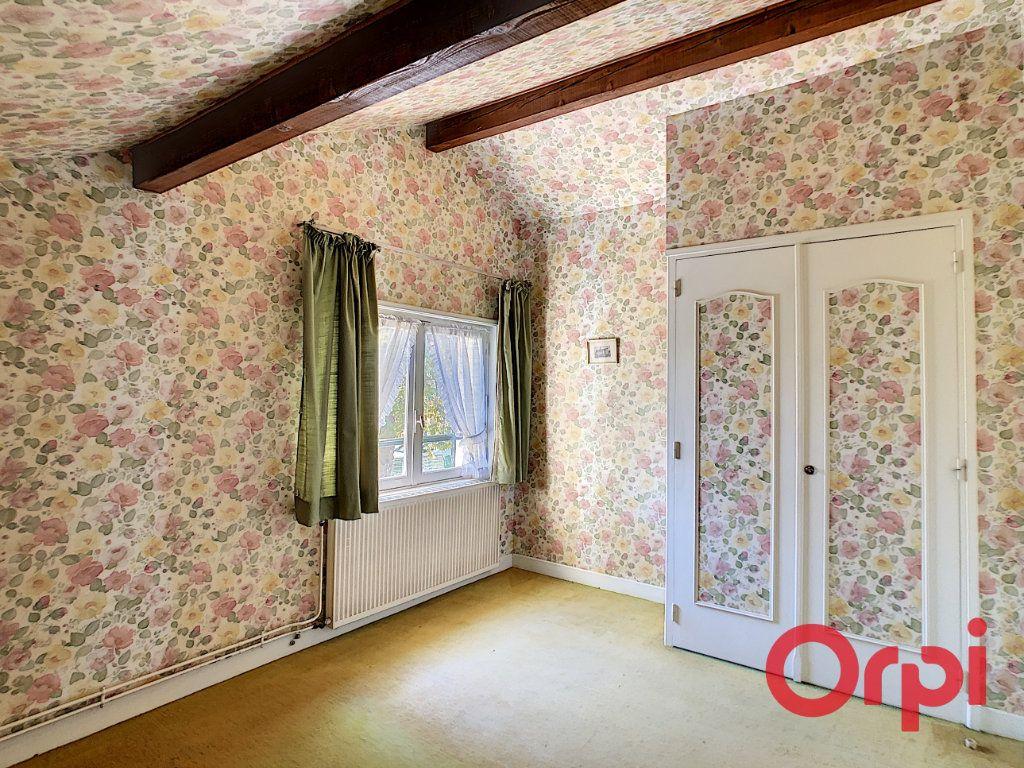Maison à vendre 8 174m2 à Néris-les-Bains vignette-10