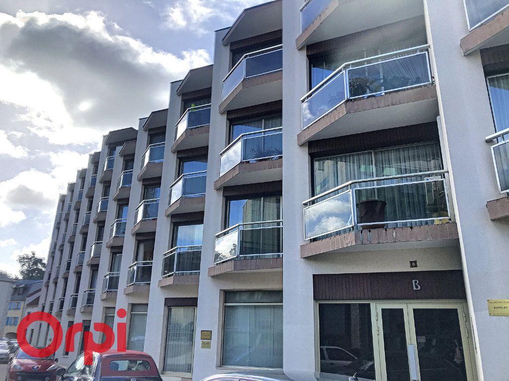 Appartement à vendre 5 89m2 à Montluçon vignette-1