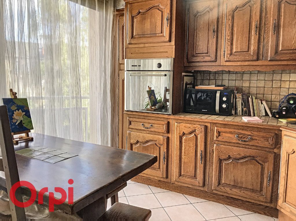 Appartement à vendre 5 89m2 à Montluçon vignette-3