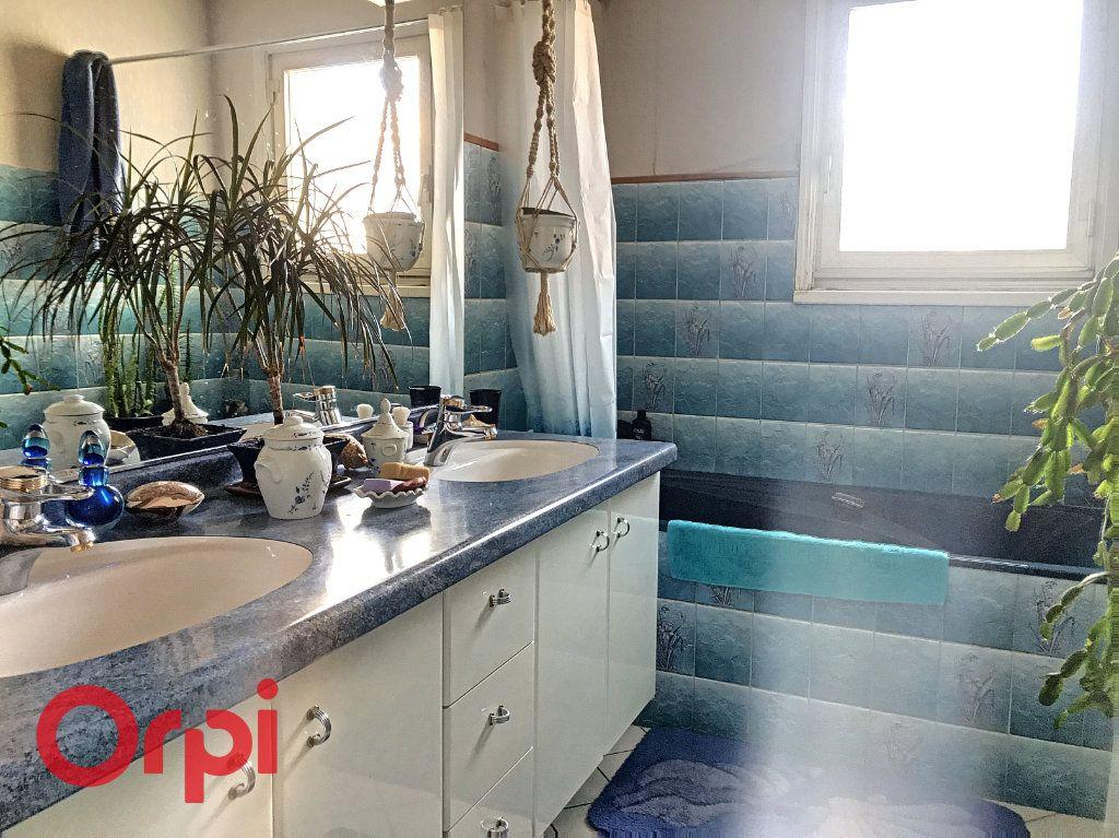 Appartement à vendre 5 89m2 à Montluçon vignette-5