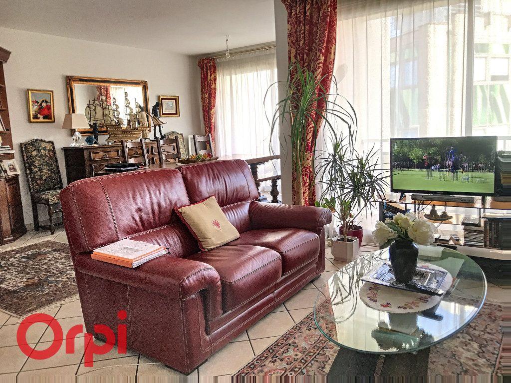 Appartement à vendre 5 89m2 à Montluçon vignette-9