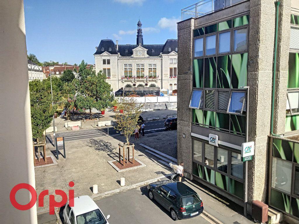 Appartement à vendre 5 89m2 à Montluçon vignette-12