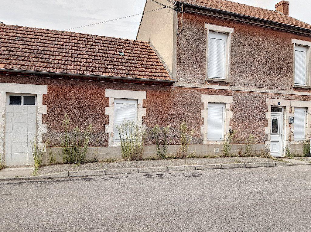 Maison à vendre 5 124m2 à Montluçon vignette-2