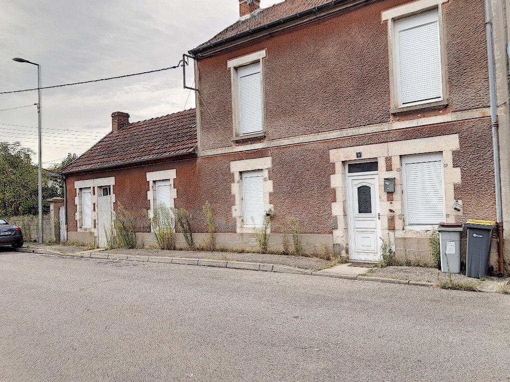 Maison à vendre 5 124m2 à Montluçon vignette-3