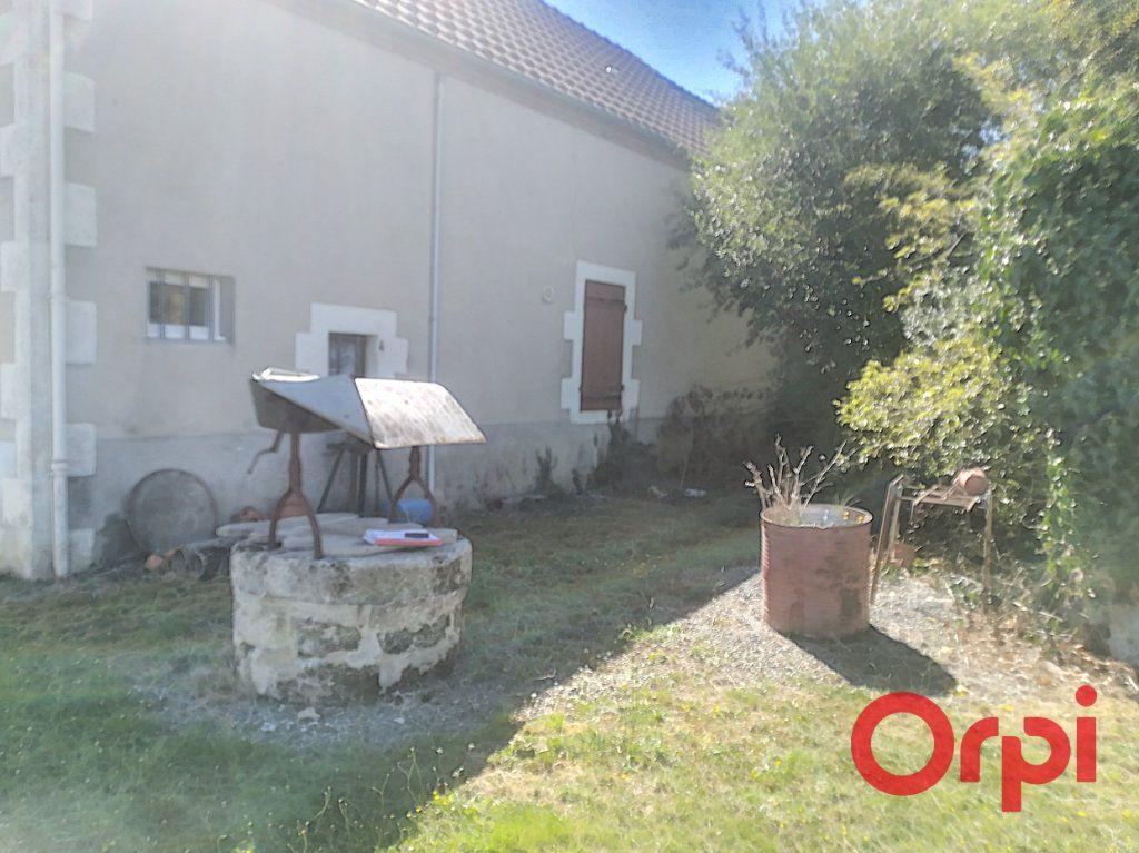 Maison à vendre 3 45m2 à Saint-Sauvier vignette-3