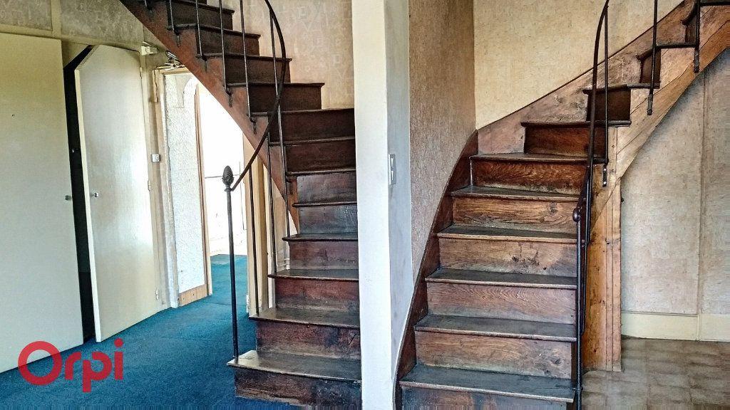Maison à vendre 5 115m2 à Villefranche-d'Allier vignette-3