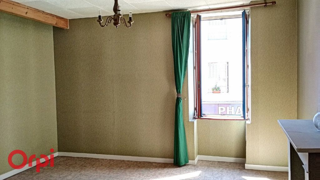 Maison à vendre 5 115m2 à Villefranche-d'Allier vignette-5