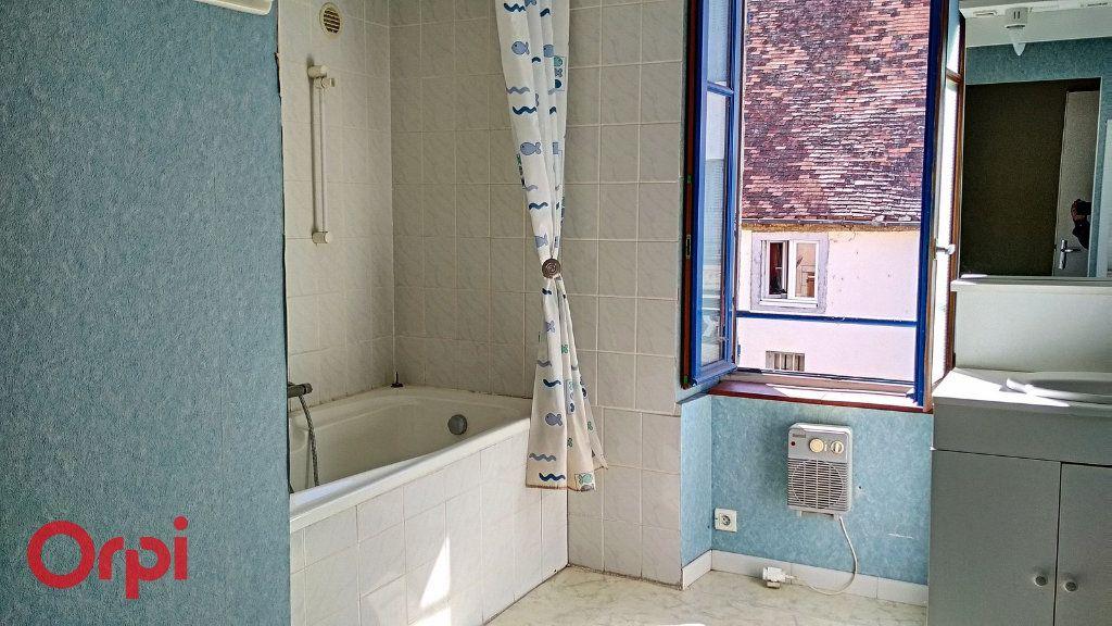Maison à vendre 5 115m2 à Villefranche-d'Allier vignette-7