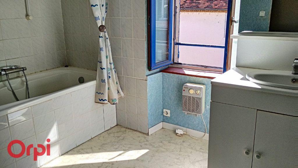 Maison à vendre 5 115m2 à Villefranche-d'Allier vignette-8