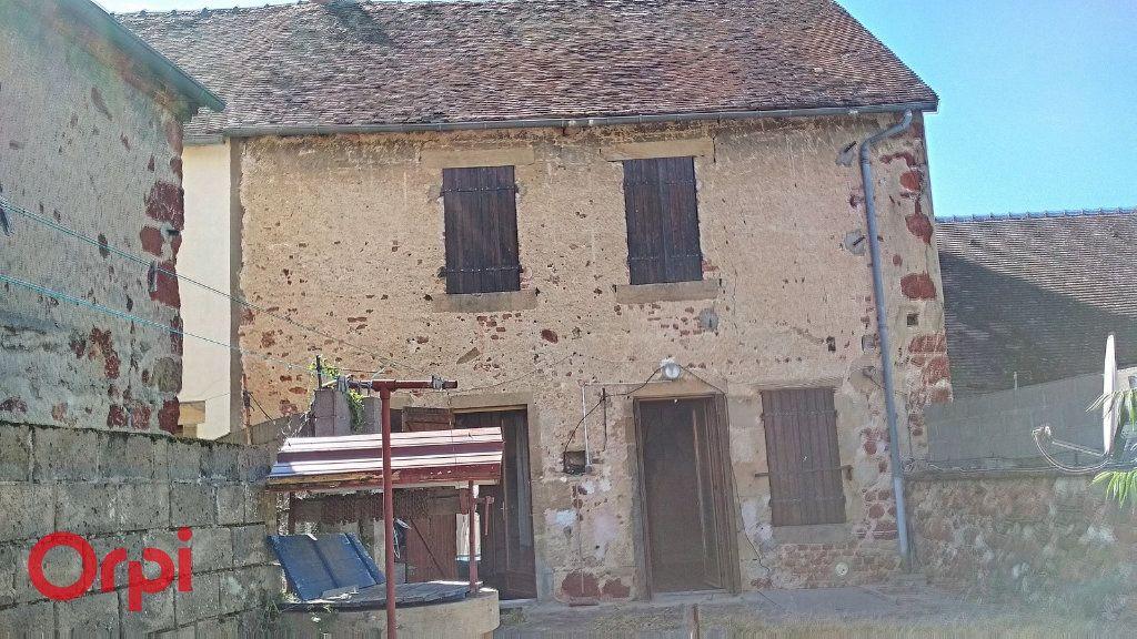Maison à vendre 5 115m2 à Villefranche-d'Allier vignette-12