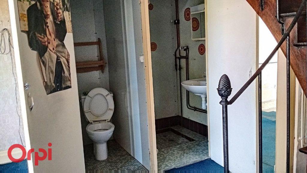 Maison à vendre 5 115m2 à Villefranche-d'Allier vignette-14