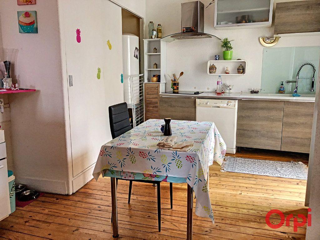 Appartement à vendre 5 80m2 à Montluçon vignette-1