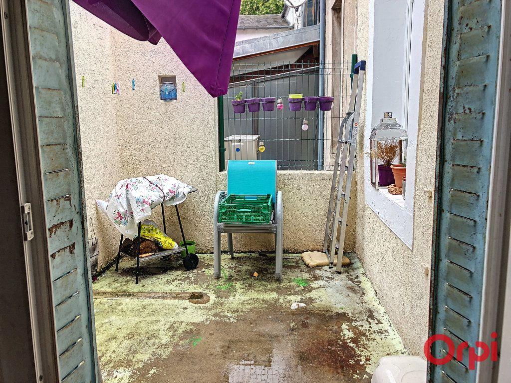 Appartement à vendre 5 80m2 à Montluçon vignette-2