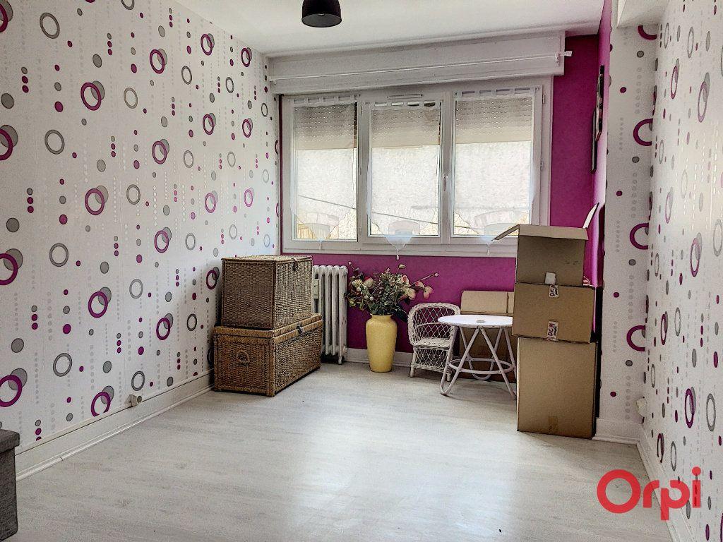 Appartement à vendre 3 82m2 à Montluçon vignette-2
