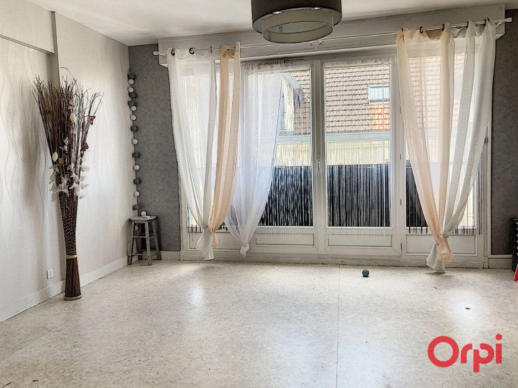 Appartement à vendre 3 82m2 à Montluçon vignette-5