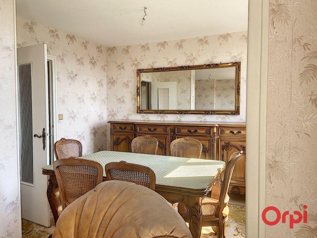 Appartement à vendre 4 78.52m2 à Montluçon vignette-3