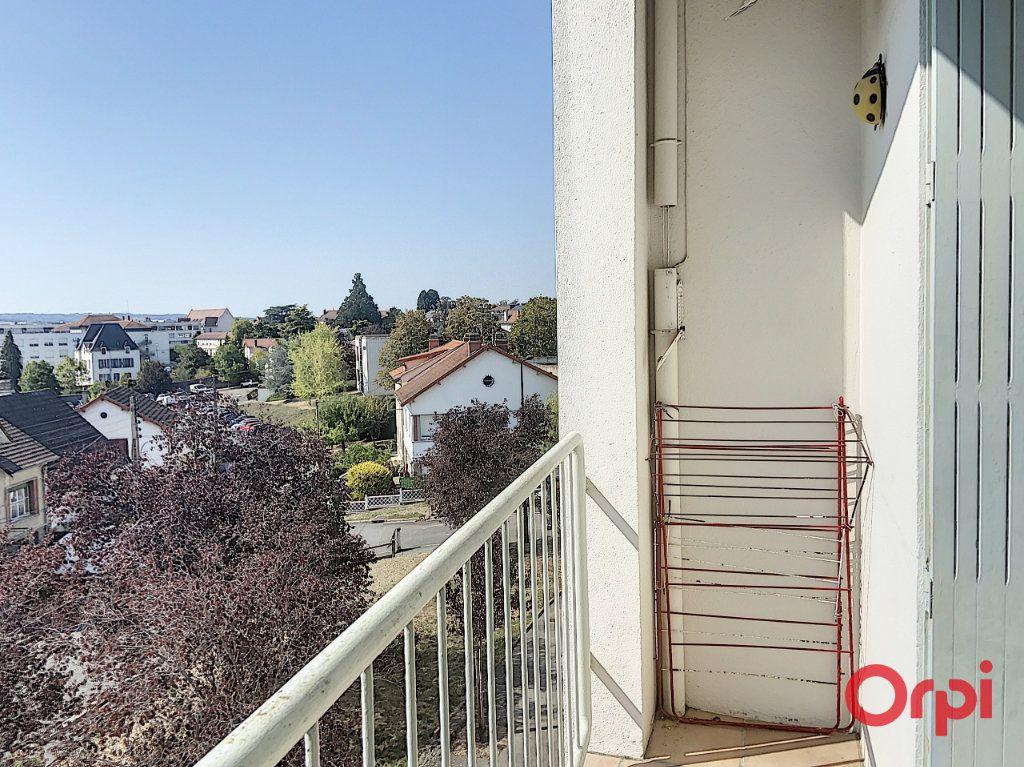 Appartement à vendre 4 78.52m2 à Montluçon vignette-4