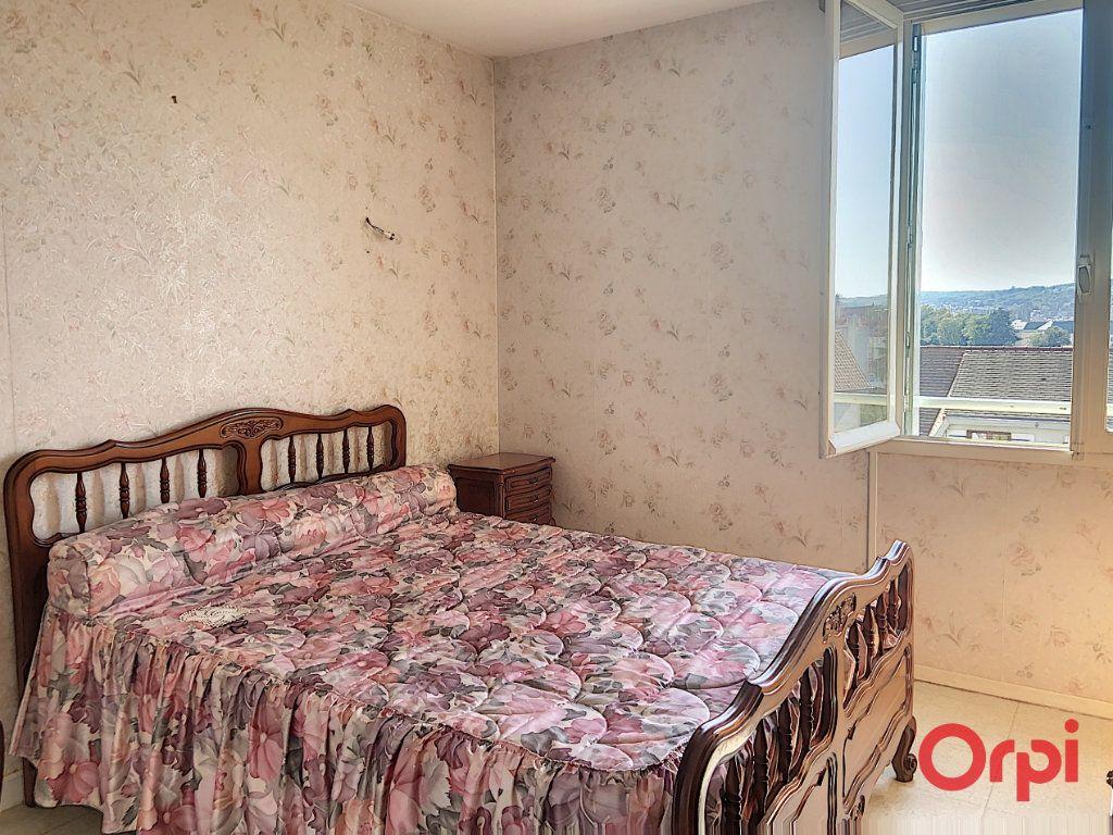 Appartement à vendre 4 78.52m2 à Montluçon vignette-8