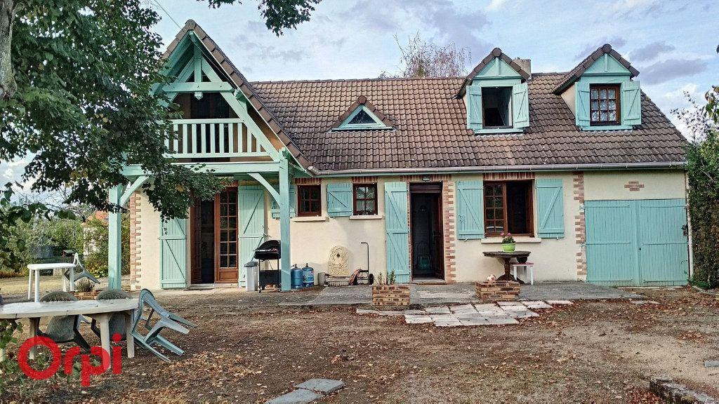 Maison à vendre 4 100m2 à Bézenet vignette-1