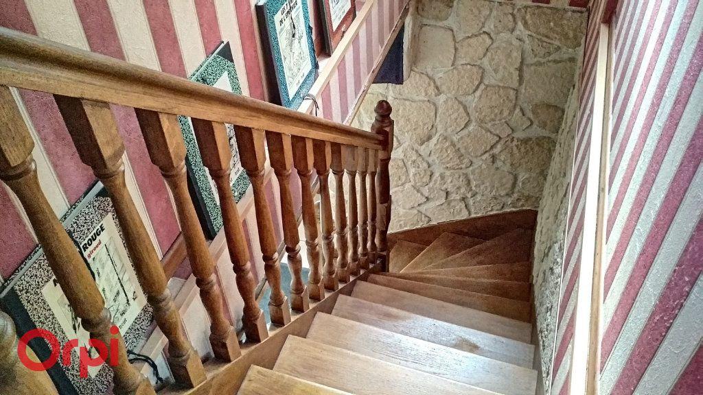 Maison à vendre 4 100m2 à Bézenet vignette-11