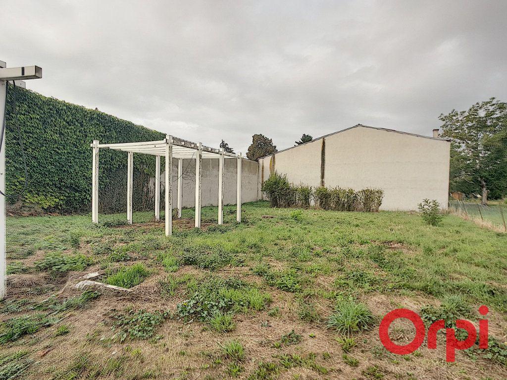Maison à vendre 10 290m2 à Reugny vignette-7