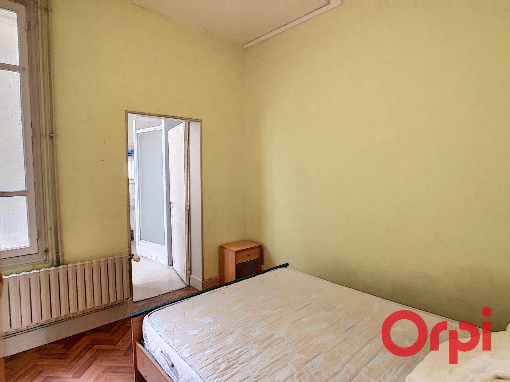 Immeuble à vendre 0 107.1m2 à Néris-les-Bains vignette-12