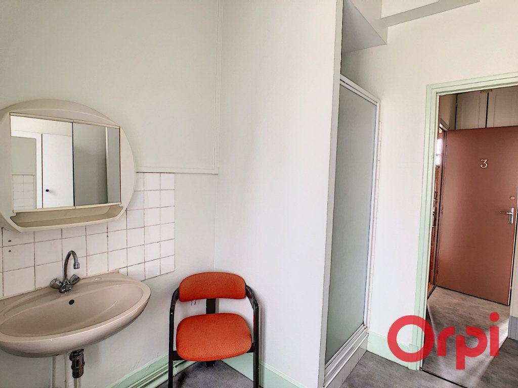 Immeuble à vendre 0 107.1m2 à Néris-les-Bains vignette-16