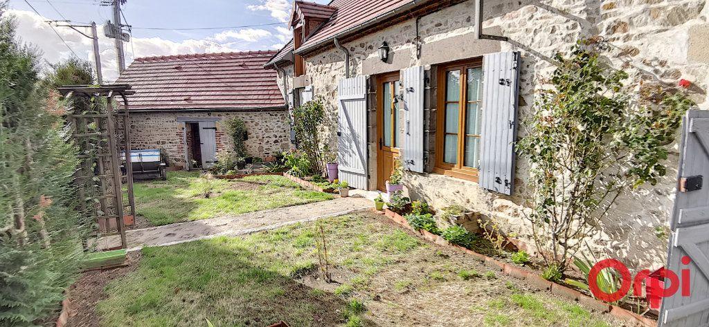 Maison à vendre 5 110m2 à Voussac vignette-1