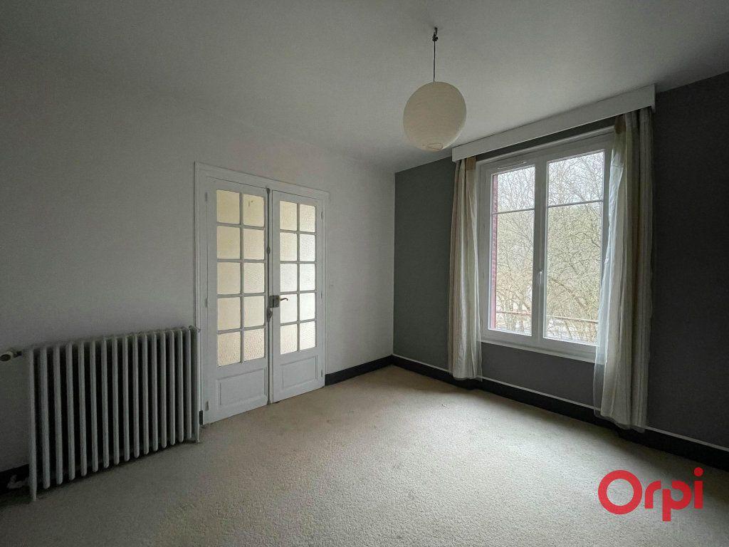 Maison à vendre 8 155.17m2 à Néris-les-Bains vignette-6