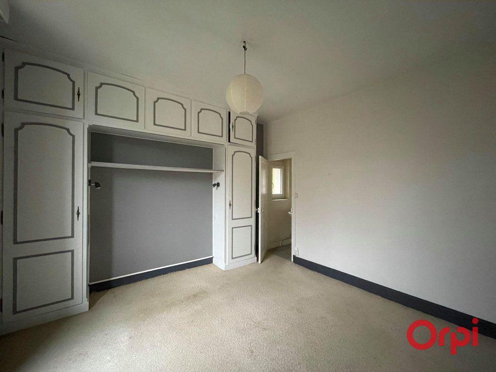 Maison à vendre 8 155.17m2 à Néris-les-Bains vignette-7