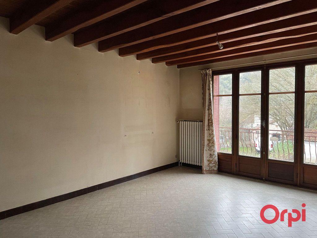 Maison à vendre 8 155.17m2 à Néris-les-Bains vignette-10