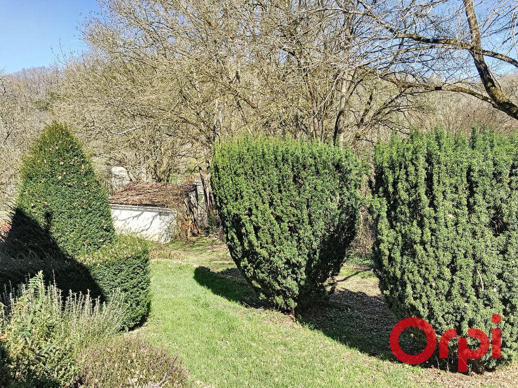 Maison à vendre 8 155.17m2 à Néris-les-Bains vignette-12