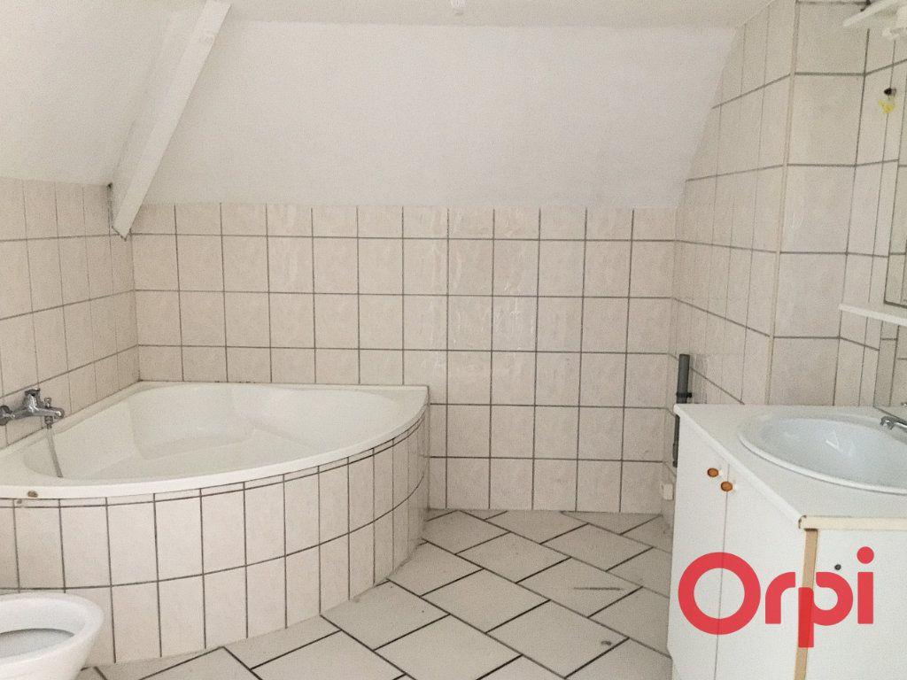 Appartement à vendre 4 96m2 à Lavault-Sainte-Anne vignette-6
