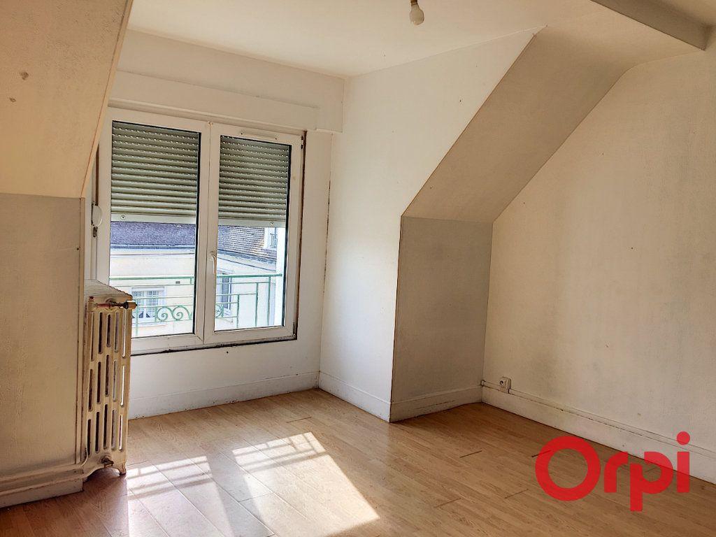 Appartement à vendre 4 96m2 à Lavault-Sainte-Anne vignette-7