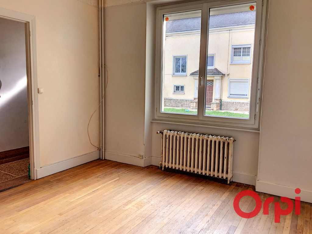 Appartement à vendre 4 98m2 à Lavault-Sainte-Anne vignette-3