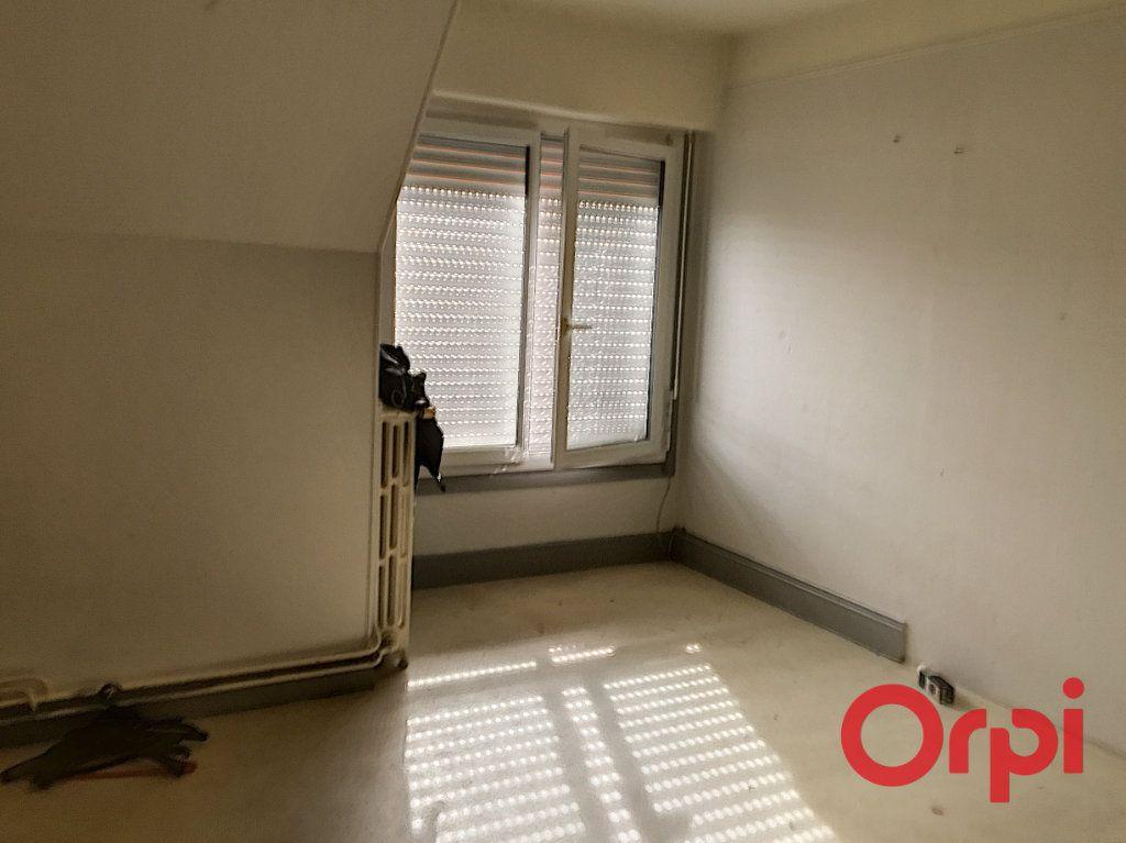 Appartement à vendre 4 98m2 à Lavault-Sainte-Anne vignette-6