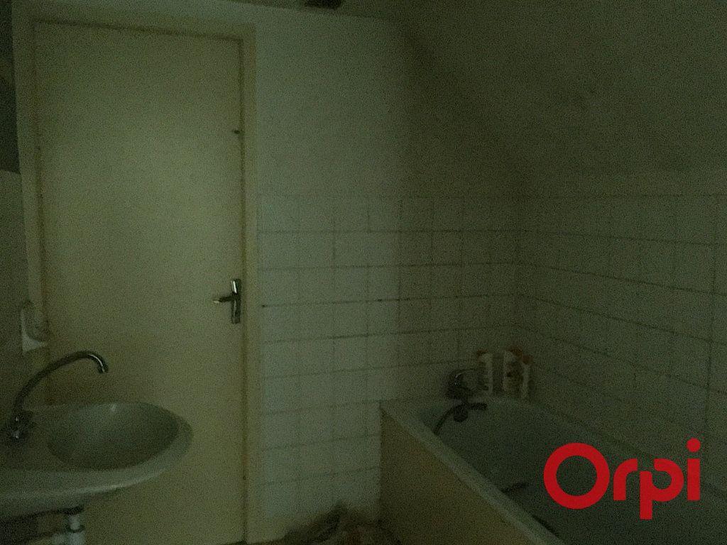 Appartement à vendre 4 98m2 à Lavault-Sainte-Anne vignette-7